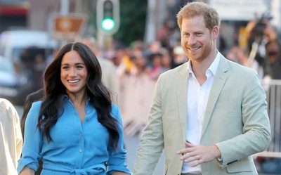 8 lần Harry và Meghan phá vỡ quy tắc Hoàng gia gây chấn động báo giới, fan lắc đầu ngán ngẩm