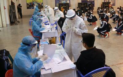 Hà Nội thêm 10 trường hợp dương tính với SARS-CoV-2, trong đó 8 người liên quan đến chùm ca bệnh TP HCM