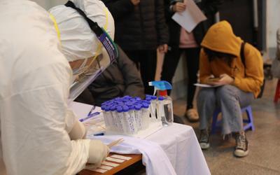 Hà Nội: Tiếp tục ghi nhận 2 mẹ con đều dương tính với SARS-CoV-2