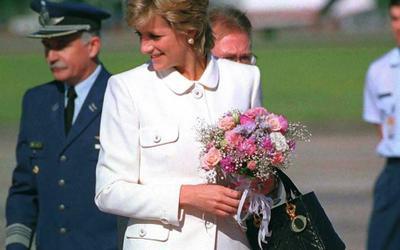 5 mẫu túi xách huyền thoại được đặt tên theo Công nương Diana