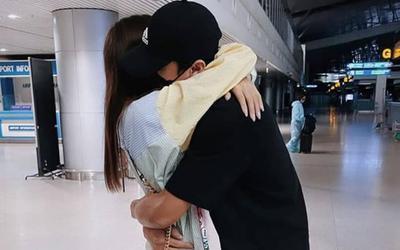 Thủ môn Bùi Tiến Dũng tạm chia tay bạn gái, không 'đứt gánh' với CLB TPHCM