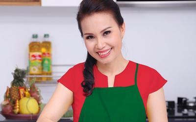 Cẩm Ly phải nhanh tay xóa ngay bài đăng nấu nước uống mùa dịch vì lời cảnh báo của netizen