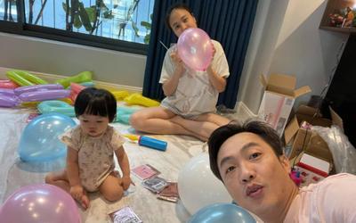 Cường Đô La - Đàm Thu Trang tự tay trang trí tiệc thôi nôi cho bé Suchin