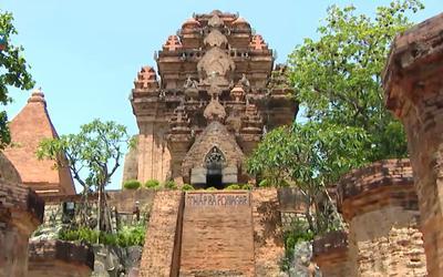 Đến Nha Trang, chiêm ngưỡng Tháp Bà Ponagar