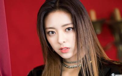 Yuna ITZY từng không quan tâm tới việc làm idol, muốn trở thành VĐV chuyên nghiệp