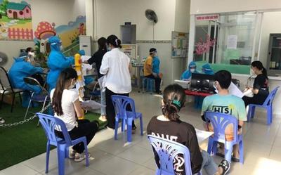 Toàn bộ sinh viên ở ký túc xá ĐH Bách khoa TP.HCM được tiêm vaccine Covid-19