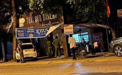 Tá hoả phát hiện nam thanh niên tử vong trong tiệm bánh ngọt ở Hà Nội
