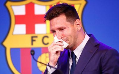 Chủ tịch Barcelona thừa nhận khoản nợ khổng lồ khiến Messi phải rời Nou Camp trong nước mắt