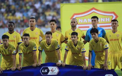Tấn bi hài, hay 'trò chơi tử thần' của bóng đá Việt Nam?