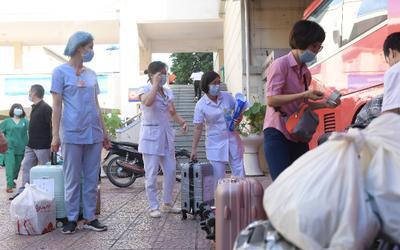 """Hơn 100 nhân viên y tế Bệnh viện Phụ sản Trung ương """"xuất quân"""