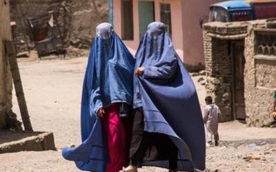 Một phụ nữ Afghanistan bị Taliban bắn chết vì không mặc áo burqa khi ra đường