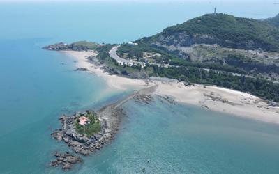 Biển Vũng Tàu vắng lặng những ngày giãn cách, chỉ có 'biển xanh, cát trắng, nắng vàng'