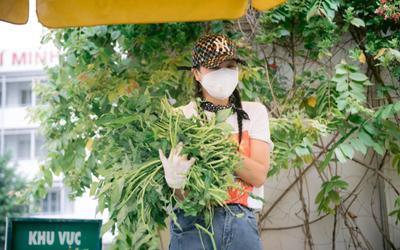 Nam Thư đi chợ giúp bà con, bất ngờ 'phản ứng' khi gặp chú bộ đội