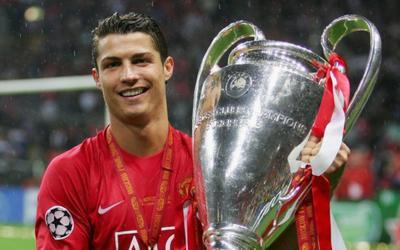 Sự thật thương vụ MU mua Ronaldo