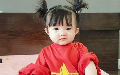 Đông Nhi khoe cùng bé Winnie thức tới 1 giờ sáng để cổ vũ đội tuyển Việt Nam