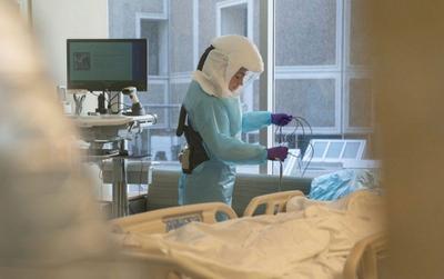 Bệnh viện Mỹ: Mỗi 6 tiếng lại có một bệnh nhân Covid-19 tử vong