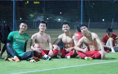 Ngắm body 'hút mắt' của dàn tuyển thủ chuẩn 'soái ca' cao hơn 1m80 của đội tuyển Việt Nam đá trận tối nay