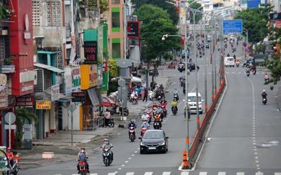 Ngày 16/9: Đường phố TP.HCM nhộn nhịp xe cộ khi nhiều hoạt động được nới lỏng