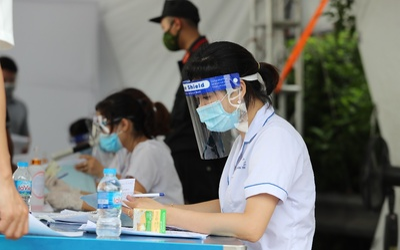 Chiều 17/9: Hà Nội ghi nhận 2 ca dương tính với SARS-CoV-2 đều trong khu cách ly phong toả