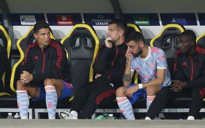 Sự thật vụ Ronaldo 'chỉ đạo' đồng đội MU gây tranh cãi
