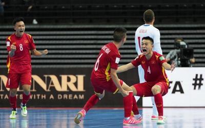 Tuyển futsal Việt Nam xuất sắc vào vòng knock-out World Cup