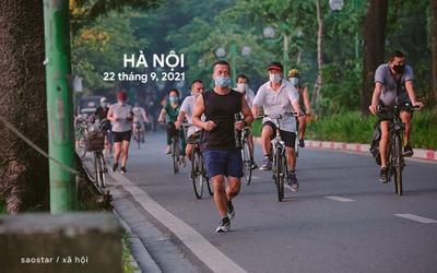 Nhiều người dân Hà Nội kéo nhau đi tập thể dục, đạp xe, khi vừa nới lỏng giãn cách