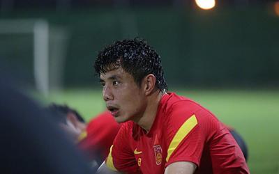 Tuyển Trung Quốc bộn bề lo lắng trước trận quyết đấu Việt Nam