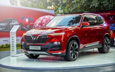 VinFast tăng giá đồng loạt Lux và Fadil, đẩy giá xe lên sát 2 tỷ đồng