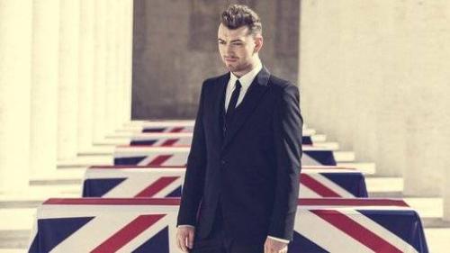 Nhạc phim 007 lần đầu giữ vị trí No.1 Billboard