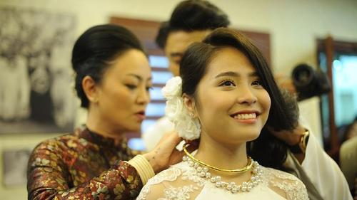 Mẹ chồng Ca nương Kiều Anh làm thơ tặng con dâu gây xúc động