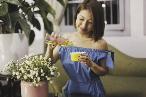 Học nhà văn Phan Ý Yên đẹp từ A - Z với dầu gạo