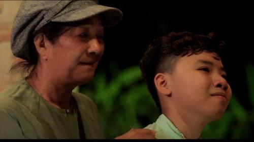 'Cậu bé dân ca' Công Quốc khóc hết nước mắt trong teaser phim ngắn phần 2