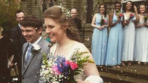 """Cô dâu """"đại keo kiệt"""" và đám cưới có một không hai!"""