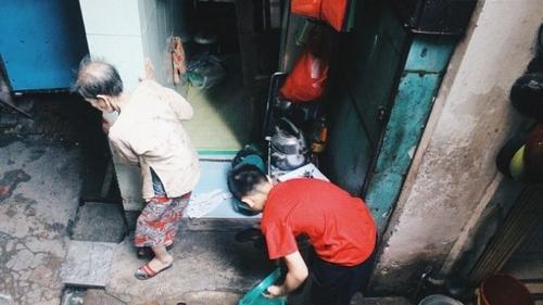 Ngôi nhà 'bé như mắt muỗi' ngay giữa Hà Nội: Rộng 4m2, có 5 người sinh sống
