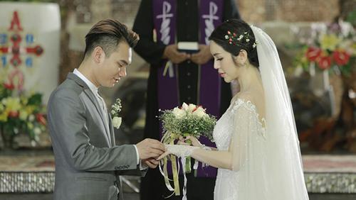 Fan bấn loạn vì Khắc Việt bí mật kết hôn với hot girl Mi Lan