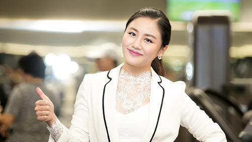Không chỉ đi trễ sự kiện, Văn Mai Hương còn mất điểm vì ngày càng già và béo lên