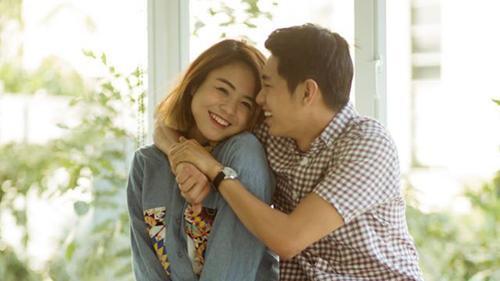 Thái Trinh bật khóc hạnh phúc trước món quà siêu lãng mạn của Quang Đăng