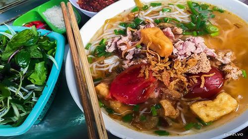 Hà Nội - Sài Gòn: Sự khác biệt từ cung cách phục vụ đến lối thưởng thức ẩm thực