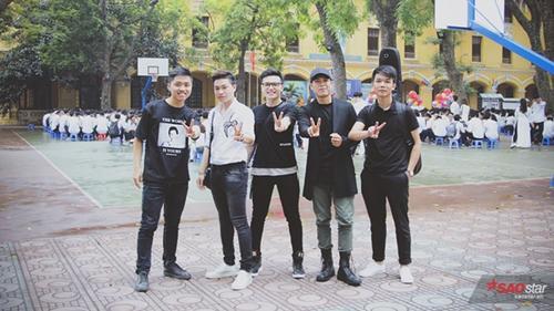 Hành trình mang tên 'Tiết học cuối cùng' đã ghé THPT Phan Đình Phùng sáng nay cùng bộ ba anh chàng The Voice!