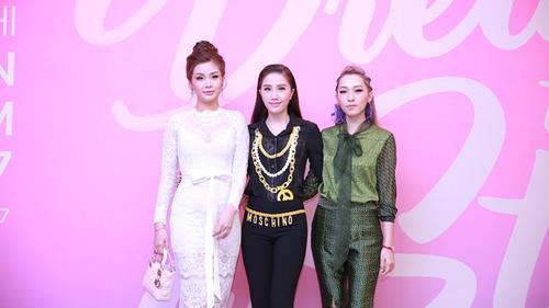 Bảo Thy - Emily - Diễm Trang xinh đẹp, sánh vai tại họp báo Miss Teen sau 5 năm vắng bóng!
