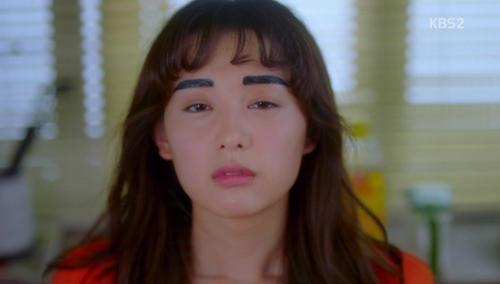 Nữ chính phim Hàn thời nay: 'Hâm hâm, tưng tửng hóa' hàng loạt!