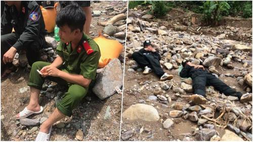 Xúc động hình ảnh những chiến sĩ ăn mì sống, ngủ trên đá trong hành trình vượt rừng giúp đỡ bà con vùng lũ