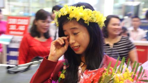 """""""Hot girl"""" Taekwondo Châu Tuyết Vân bật khóc vì tình cảm của người hâm mộ"""