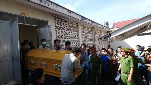 Người nhà tiếp nhận thi thể tử tù Nguyễn Hải Dương