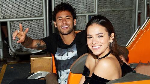 Lộ cảnh nóng ngoài biển, Neymar và nữ diễn viên Bruna chính thức tái duyên