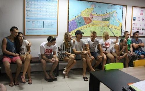 Lớp chuyên đào tạo 'chuyện phòng the' của du khách Nga bị bắt ngay tại trận