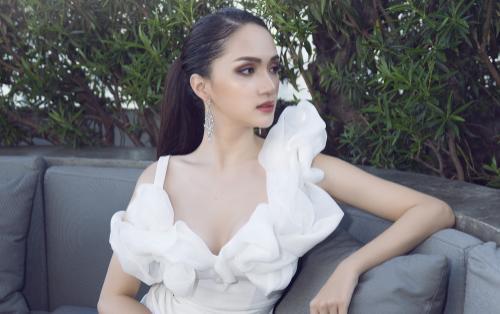 Trở lại Thái Lan, Hoa hậu Hương Giang 'đắt show' quảng cáo