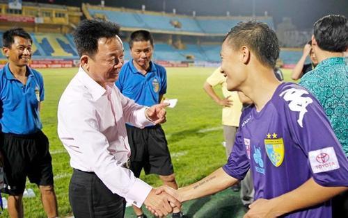 Bầu Hiển thất vọng về hình ảnh xấu xí của CLB Hà Nội: Tiếc cho bóng đá đẹp