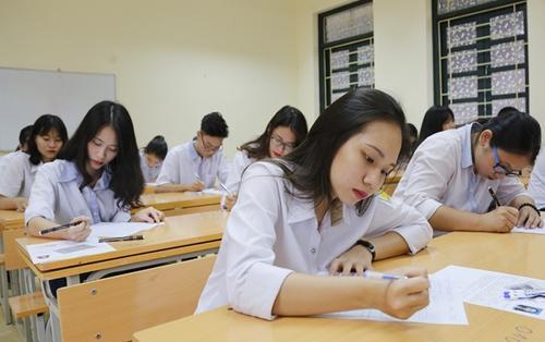 Tránh ồn ào trước cổng trường thi THPT Quốc gia 2018, Sở GD-ĐT Hà Nội yêu cầu đóng cửa tất cả các quán nước