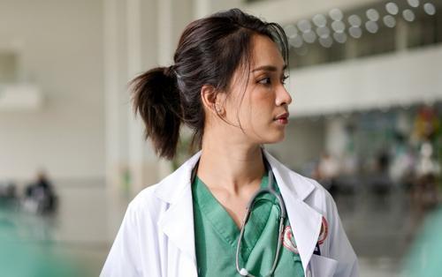 Nhân viên sợ 'xanh mặt' với bác sĩ Ái Phương cùng quy tắc cực 'gắt': 'Không sai phạm và đừng than vãn!'